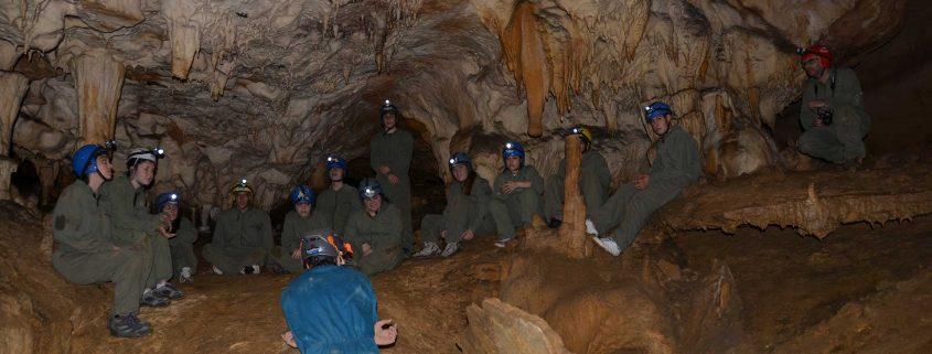 Cursos y excursiones de espeleología en Asturias