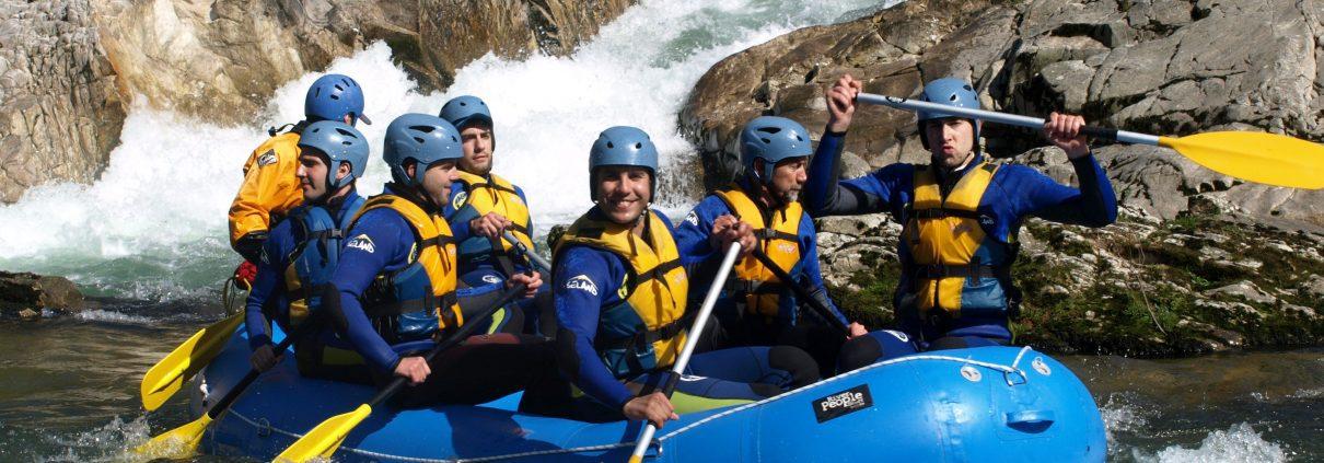 Aprendiendo la técnica del rafting en el río Sella con K2 Aventura