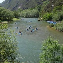 Bajando el río Sella a mitad de recorrido