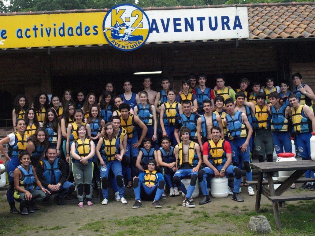 Gran grupo de un colegio en foto de memoria